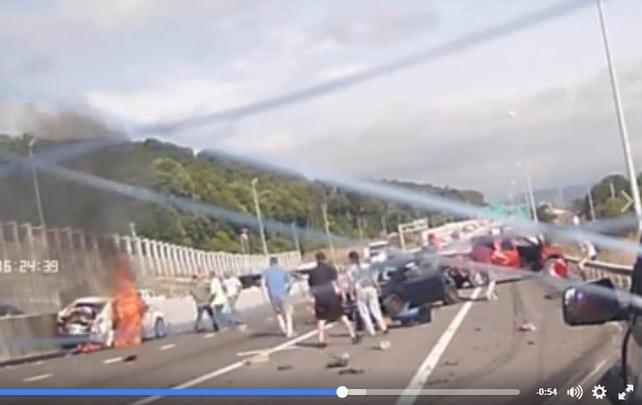 VIDEO. Les personnes qui ont sauvé une femme après un accident de voiture retrouvées grâce à Facebook