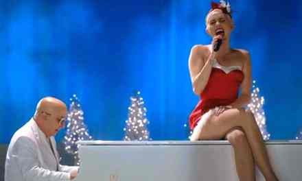 Miley Cyrus – Silent Night (A Very Murray Christmas)