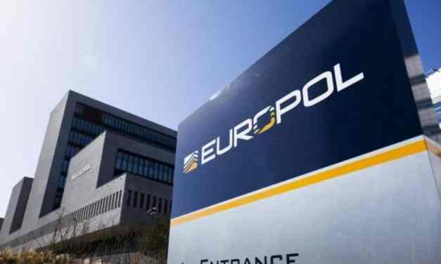 Saisie de 122 tonnes de pesticides illégaux par les douanes européennes