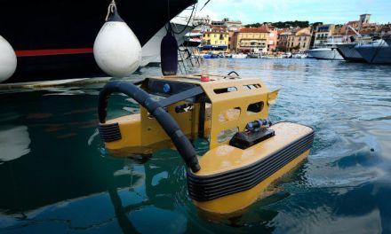 Le « robot méduse », un aspirateur flottant pour aspirer les détritus