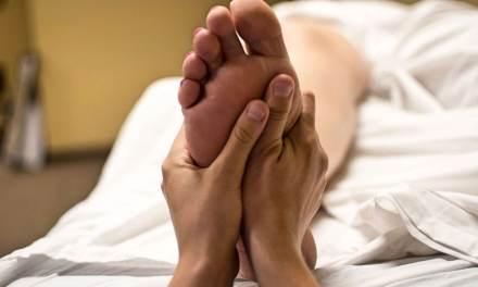 Technique japonaise de massage des pieds. Génial pour la douleur.