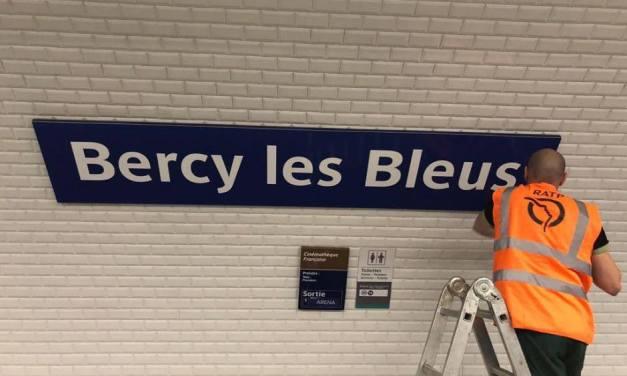 Le métro parisien aussi fête la victoire des Bleus
