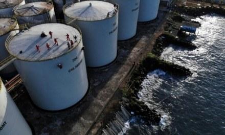 Greenpeace « occupe » une raffinerie d'huile de palme en Indonésie