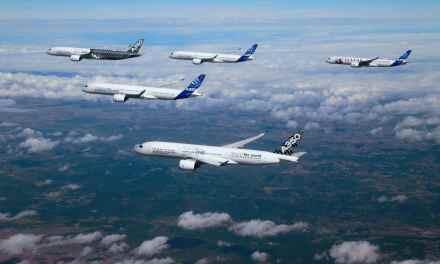 5 Airbus A350 dansent dans le ciel. Magique!