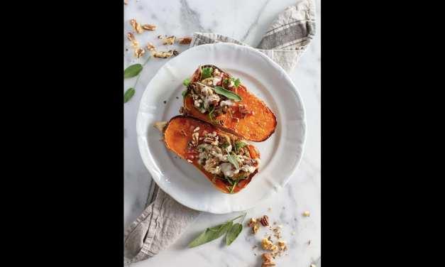 Courge rôtie avec aïoli à la truffe, champignons sauvages et roquette