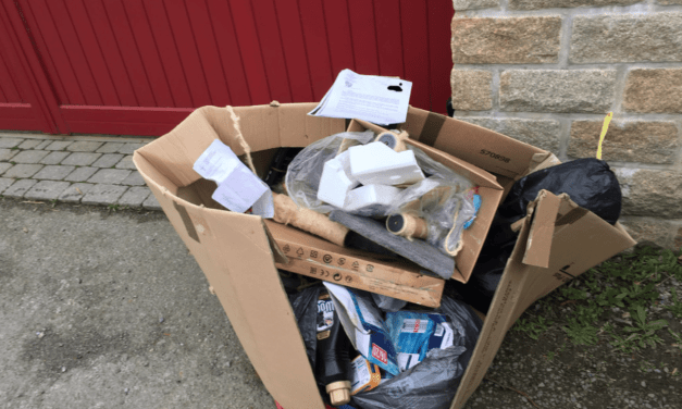 Bretagne: Le maire rapporte les déchets sauvages au domicile du riverain pollueur