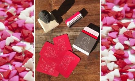 Le Jeu des Amoureux – Tirez une carte et testez l'une des 52 positions…  Bonne Saint-Valentin!