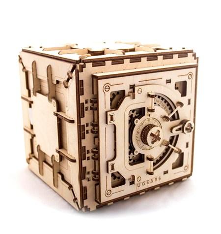 Construcción de Madera – Caja Fuerte