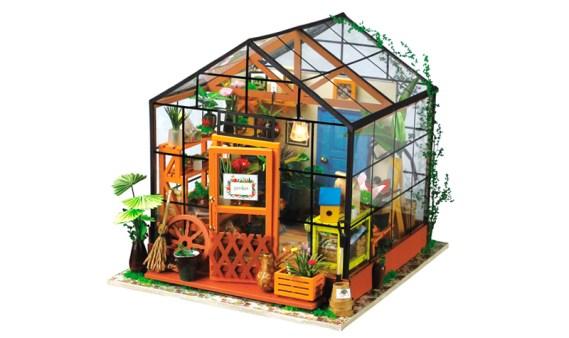 Miniature House DIY – Cathy´s Flower House