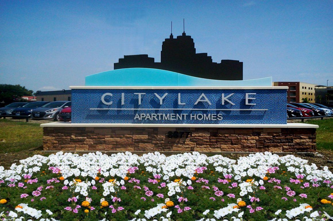 Citylake ID sign