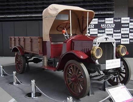 100年前の純国産トラックに装着されたタイヤは――