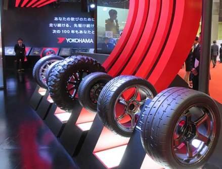 【東京モーターショー】横浜ゴム「軽量タイヤ」「光るタイヤ」を展示