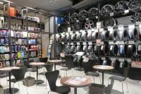 「A PIT AUTOBACS SHINONOME」のタイヤ売り場