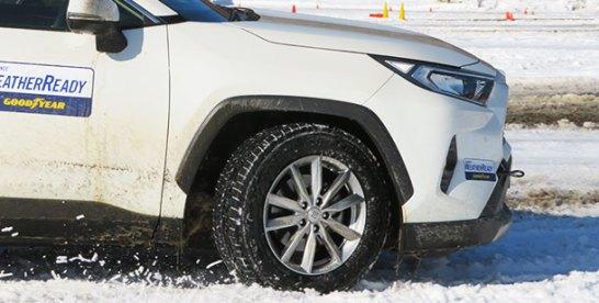 雪道での安心を オールシーズンタイヤ乗り比べ①日本グッドイヤー