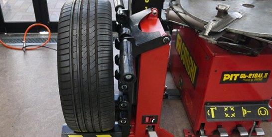 作業の効率化と省力化に寄与 東洋精器工業 汎用タイヤリフト「SR-66」