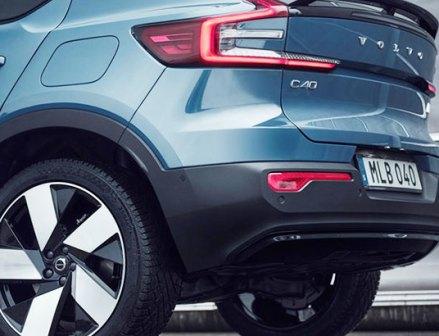 ボルボ、欧州で全EVに通年用タイヤ標準装備