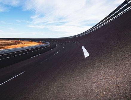 ノキアン、スペインの試験路稼働 時速300kmのテストも可能に