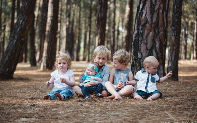 Paula's big family photoshoot in the forest