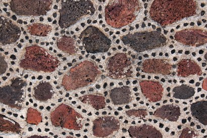 Another, more delicate, example of the small stones dotted in the mortar between the larger stones.