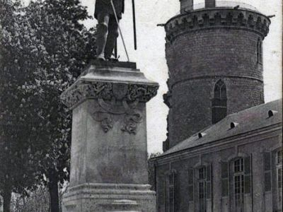 The statue at Mehun-sur-Yèvre. The same sculpture the Duchess is depicted completing in the painting.