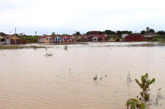 No conjunto Menino Jesus formou-se um grande lago.