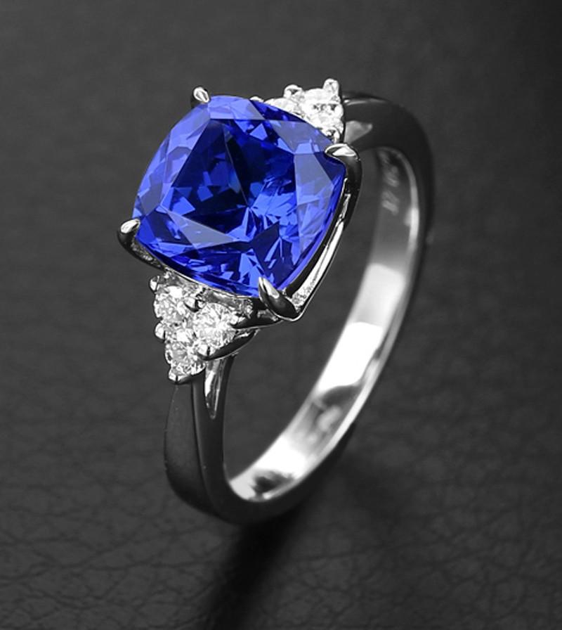 150 Carat Blue Sapphire And Diamond Halo Engagement Ring