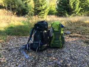 Rücksäcke am Trekkingcamp