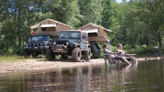 Jeep camping with rooftop tents | Jeep Wrangler Outpost