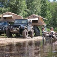 Jeep camping with rooftop tents