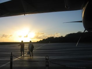 jesse-and-zac-getting-of-the-plane-for-sunrise-in-raiatea_213792255_o
