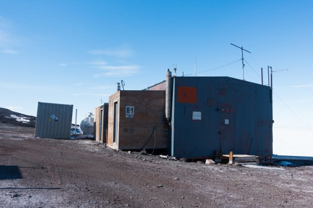 The McMurdo COSRAY building lies along the road connecting McMurdo to Scott Base