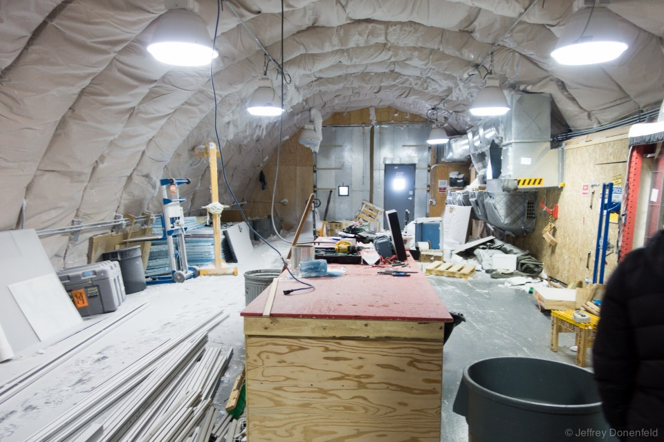 This is the core handling arch, connected to the drill arch. Notably, this arch is heavily insulated, to keep it extra cold.