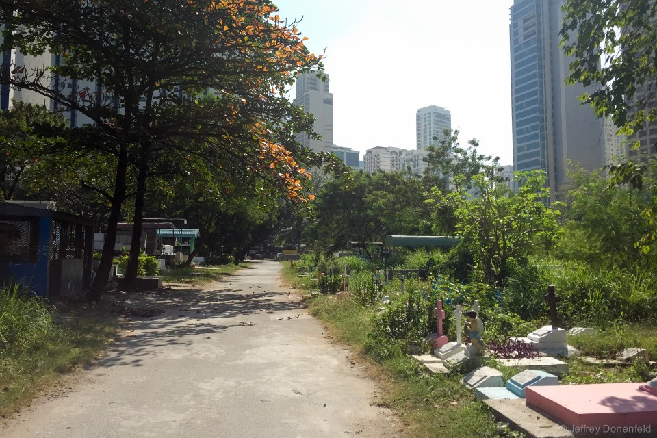 In Manilla, I used the cemetery in the center of town as a running track, to train for the upcoming Tokyo Marathon. Running through the cemetery was interesting - people seem to have moved into the space, creating a shanty town between the graves.