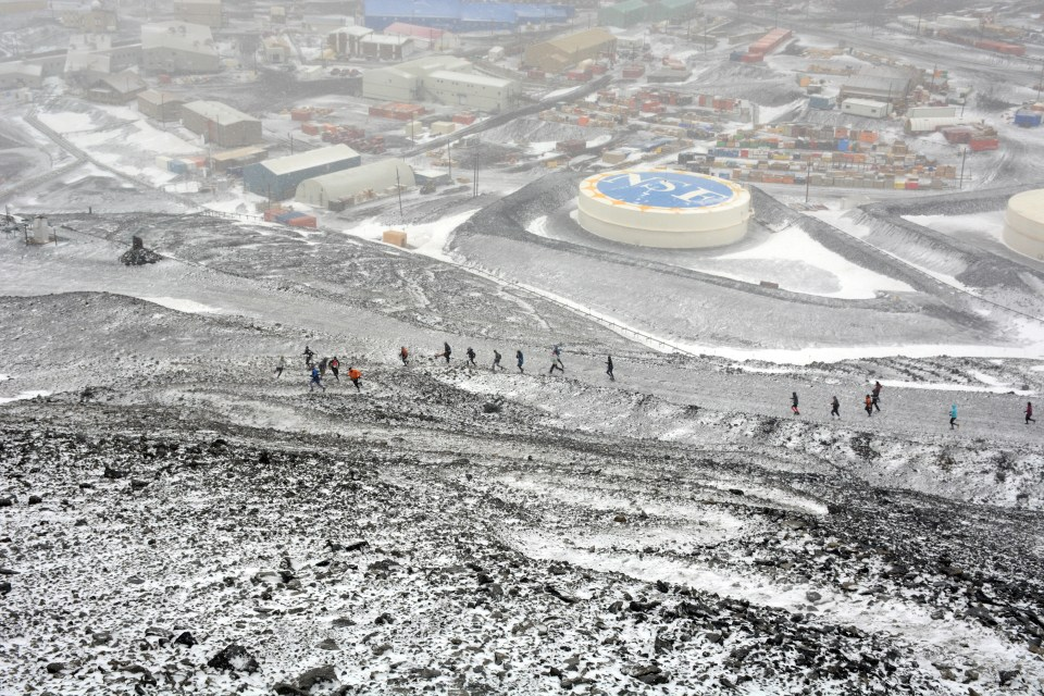 The Ob Hill Uphill. We start at the base of Observation Hill on the edge of McMurdo, and run to the top. Obviously, it was snowy that day.