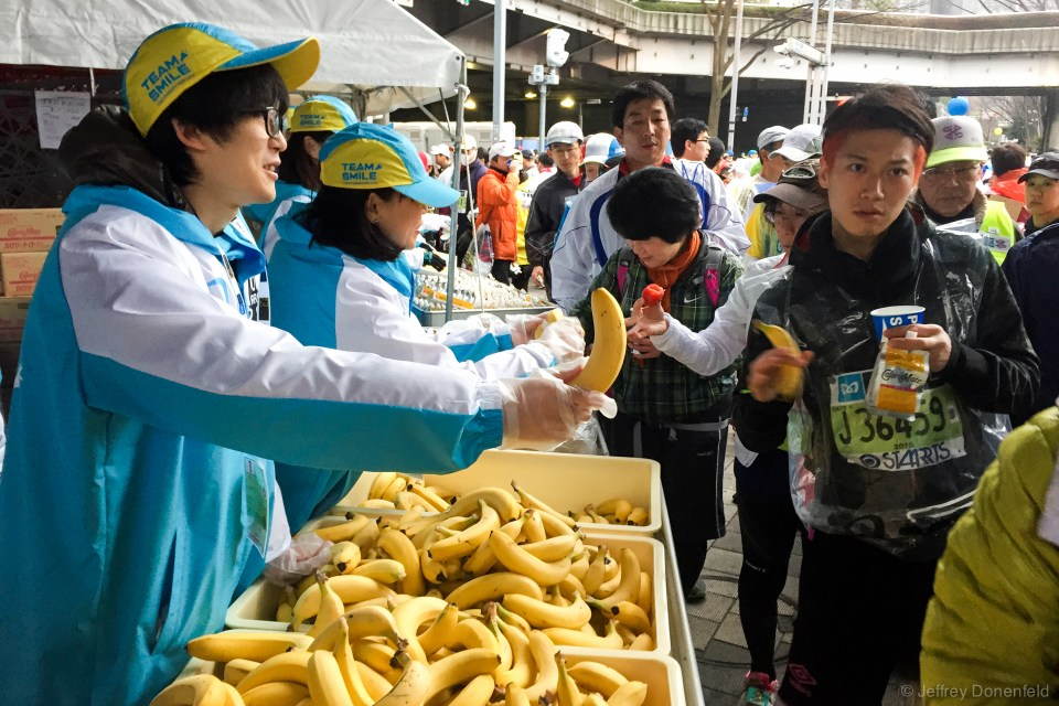 Lots of marathon volunteers were all excited to be there. Japanese people have good energy.