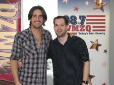 Jake Owen was not flattered when I said he looked kinda like Keith Urban. It was a compliment!!!