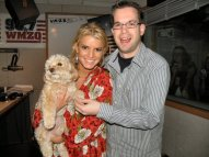 Jessica Simpson is SO much smarter than everyone thinks! And that poor dog was kidnapped after this visit.