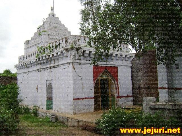 adimailar mullinga temple