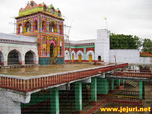 adimailar temple cort