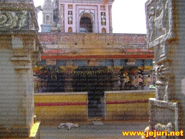 pali temple entarance