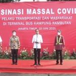 Presiden Tinjau Vaksinasi di Terminal Bus Kampung Rambutan