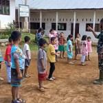 Satgas TMMD Kodim 0212/TS Ajarkan Anak-anak Pentingnya Cintai Lingkungan