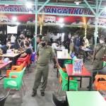 Terapkan PPKM Mikro, Sejumlah Cafe di Pasar Merah Ditertibkan