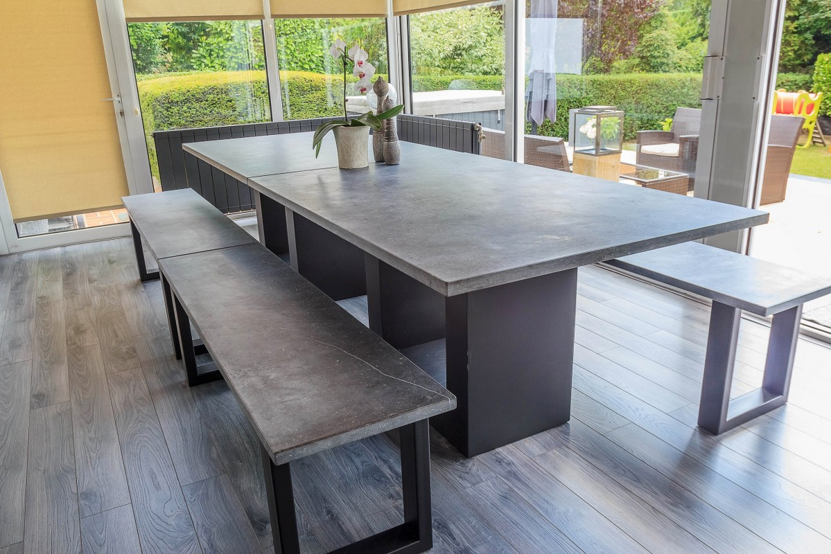 Table Pierre