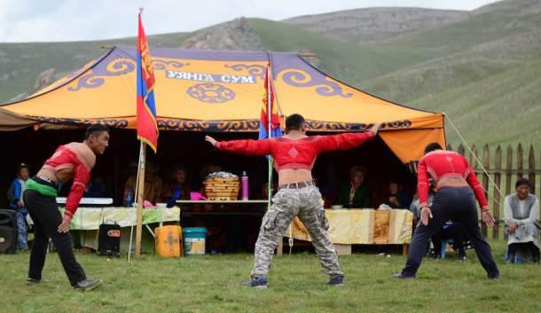 Danse de lutteur, lutte mongole