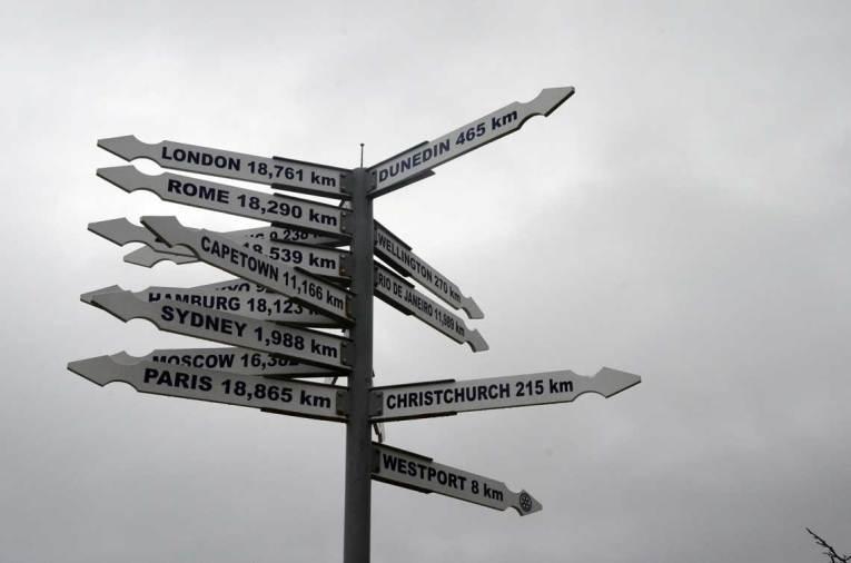 Panneau de distances des grandes villes du monde