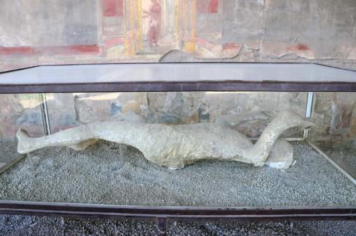 Corps moulé dans le plâtre à Pompéi, Italie