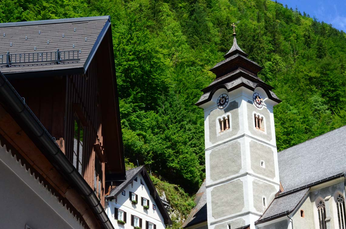 Maisons de Hallstatt et clocher