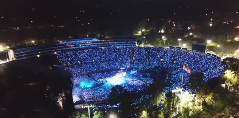 BTS_Concert_Rose Bowl