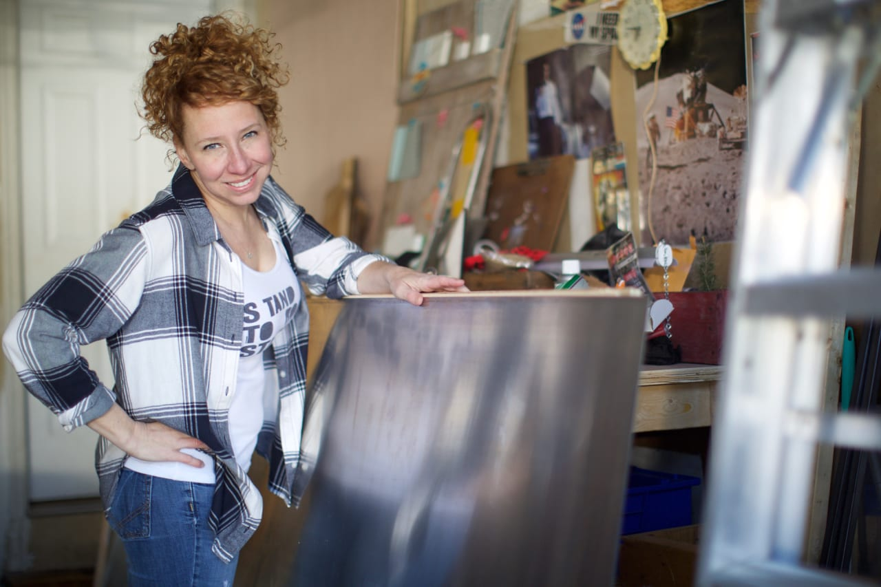 Jen Bell is a South Jersey Artist focusing on the area's rich maritime history.